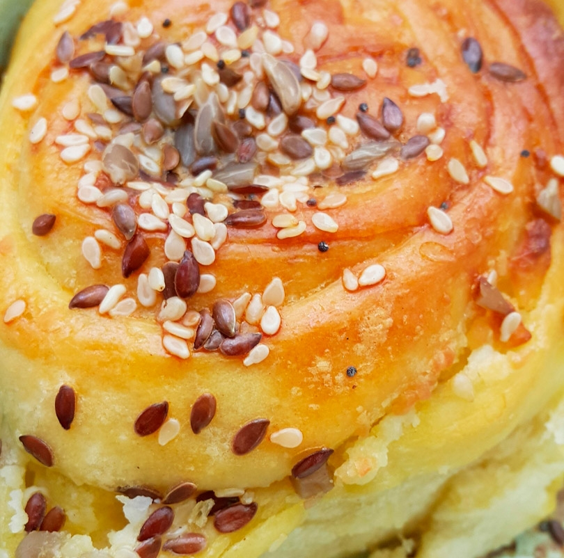 Winding banitsa with sesame and walnuts